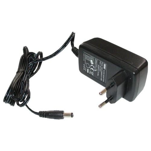 Tápegység , kapcsolóüzemű hálózati adapter 5V/3 A