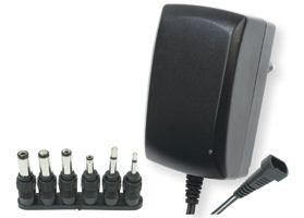 Univerzális kapcsoló üzemű hálózati adapter  2,25 A 3-12V, MW 3IP25