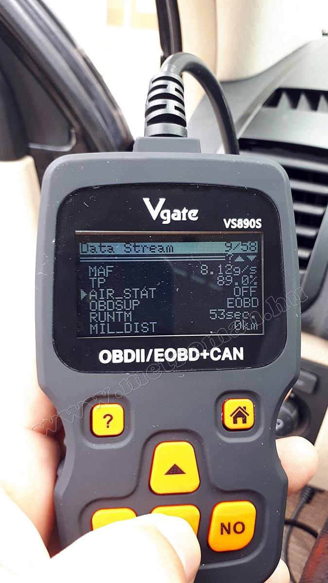 OBD2 autó diagnosztika műszer, hibakód olvasó Vgate VS890S