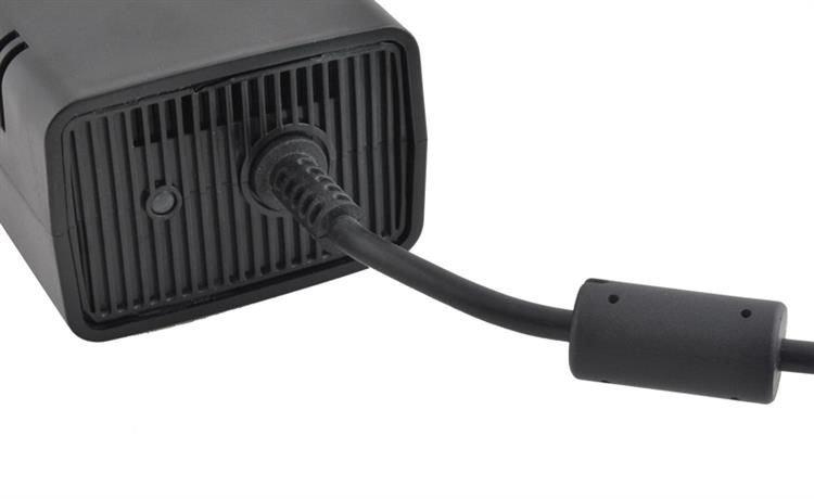 Xbox 360 Slim utángyártott tápegység M1135